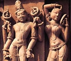 [ilustração: Divindades indianas. Templo em Khajuraho. ]